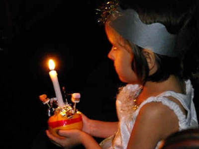Gravesend: Christingle Service 2009